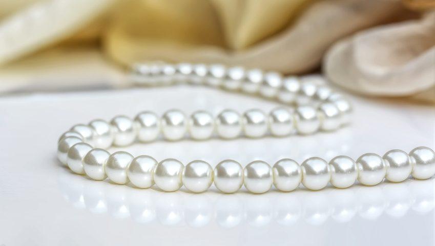 Perlenkette neu aufziehen Schmuckreparatur Berlin