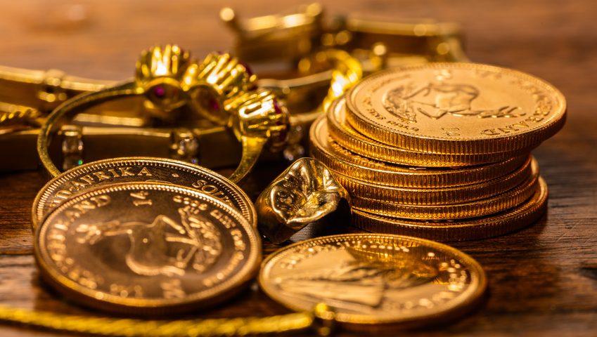 Münzen und Goldschmuck – aber was ist das wert? Fotolia©Maurice Tricatelle