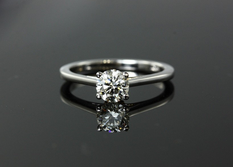 Diamantring, Fotolia©torlinla